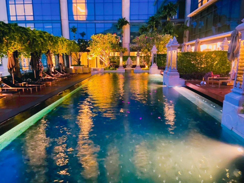 セントレジス・バンコク(St.Regis Bangkok)プール